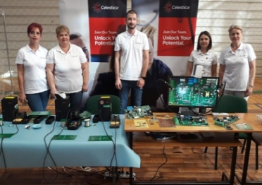 Celestica Oradea Employees supporting a youth robotics program